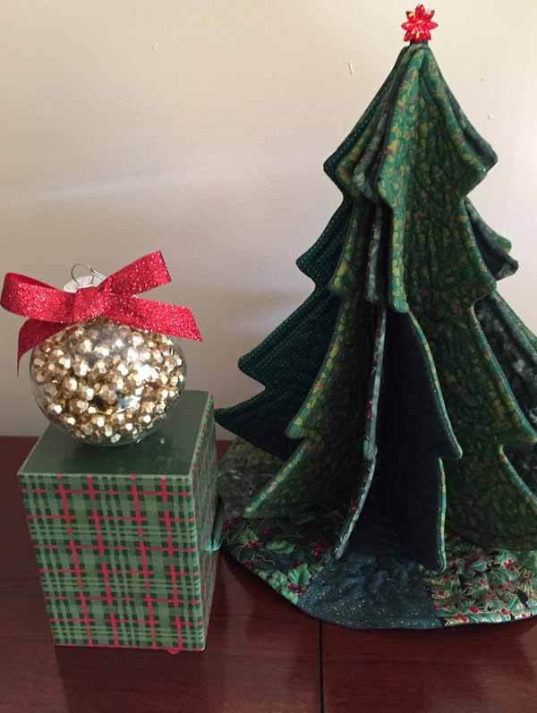 Bead Garland Christmas Ornament - On Box With Tree