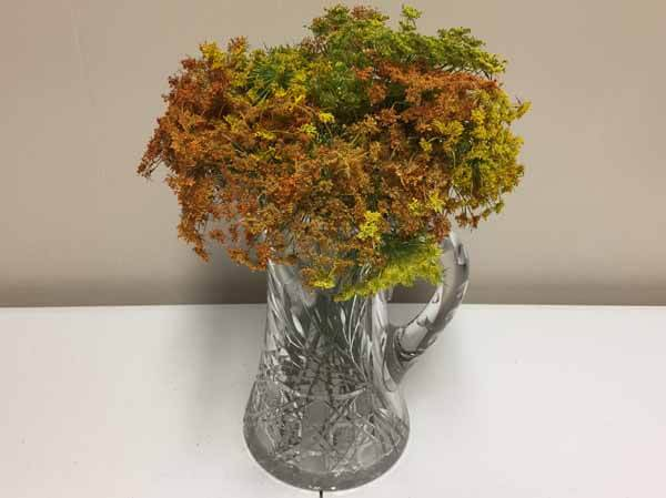 How to Dye Queen Anne's Lace - Finished Bouquet in Vase