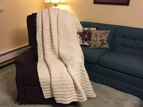 Easy & Soft Crocheted Blanket
