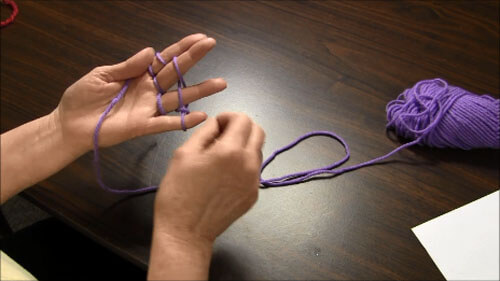 Finger Knitting Tutorial - Knit