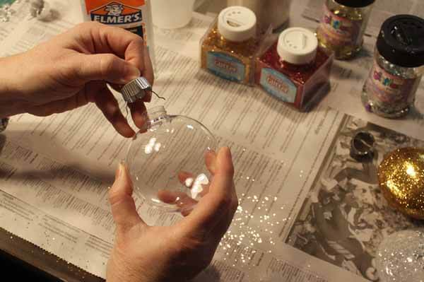 Glitter Ornament Tutorial - Remove Cap