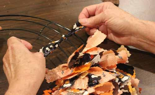 Fall No Sew Fabric Wreath - Overhand Knot