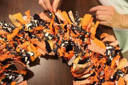 Halloween No Sew Fabric Wreath