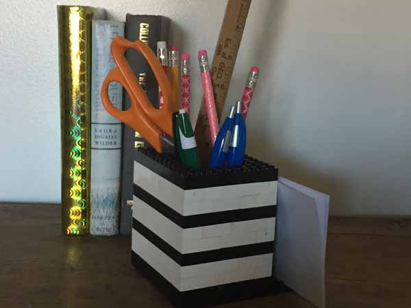 Lego Pen & Pencil Holder with Memo Pad Holder - LEGO Pencil Holder w/books