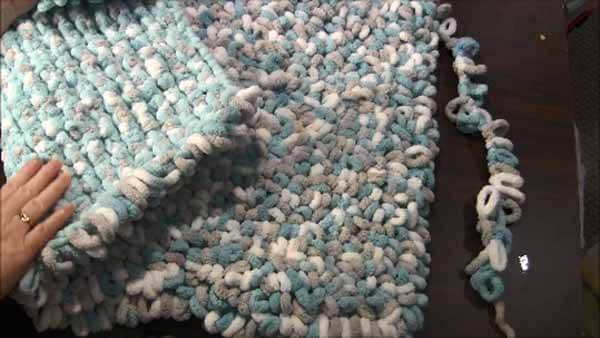 Loop Yarn Loopy Bath Rug Tutorial - Rows Complete