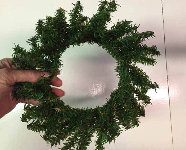 Snow Covered Winter Wreath Tutorial - Fluff Wreath
