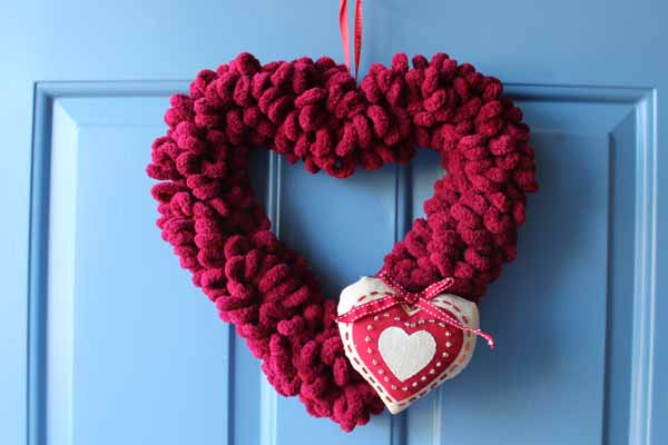 Valentine Loop Yarn Heart Wreath - Finished