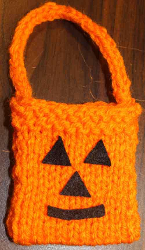 American Girl Doll Knitted Trick or Treat Bag - closeup