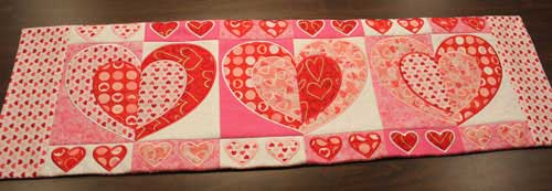 Sweet Pea Machine Embroidery Designs Heart Table Runner
