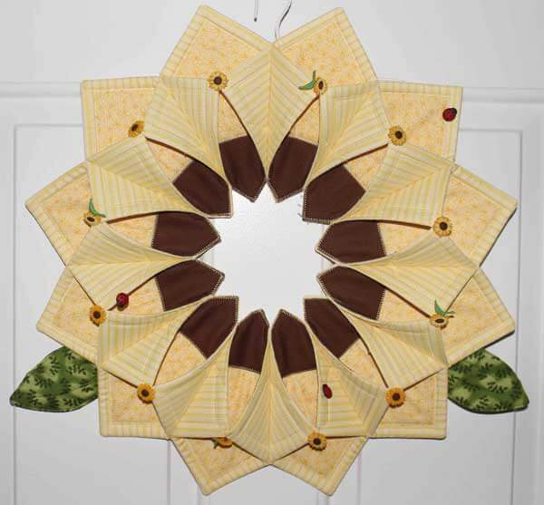 Sunflower Fold'n Stitch Wreath