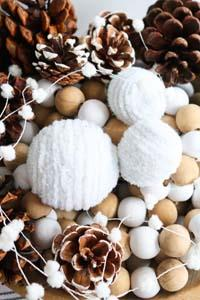 DIY Snowballs with Pipe Cleaners